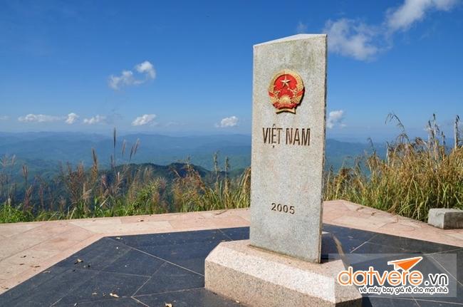 Du lịch Điện Biên Phủ nhất định phải đến cột mốc ngã ba biên giới A Pa Chải