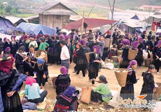 Hãy thăm chợ phiên vùng cao Tả Sìn Thàng khi du lịch Điện Biên Phủ