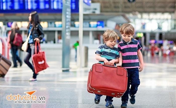 Jetstar khẳng định không tăng giá vé máy bay trẻ em