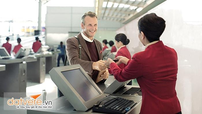 Thân thiện và lịch sự với nhân viên hàng không