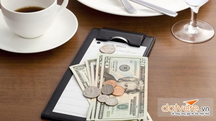 Văn hóa đưa tiền tip ở mỗi quốc gia sẽ khác nhau