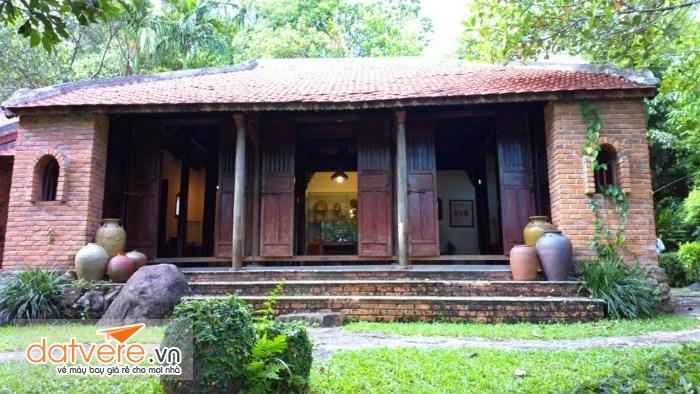 Những ngôi nhà cổ lưu giữ nhiều hiện vật xa xưa