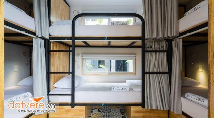 Phòng ngủ nhỏ gọn, sạch sẽ và cực kì tiện lợi