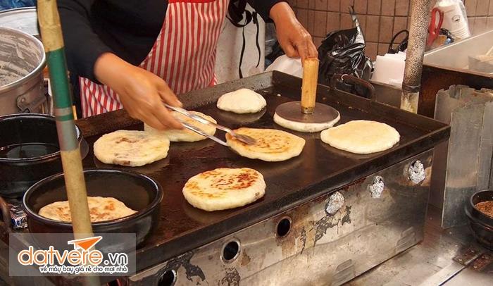 Du lịch Hàn Quốc thưởng thức Bánh Hodok ngọt ngào