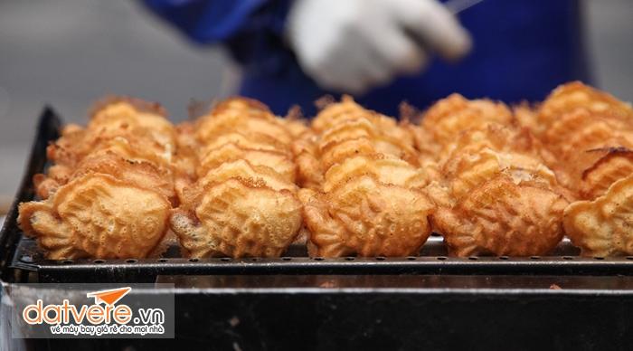 Du lịch Hàn Quốc thưởng thức Bánh cá Bungeoppang