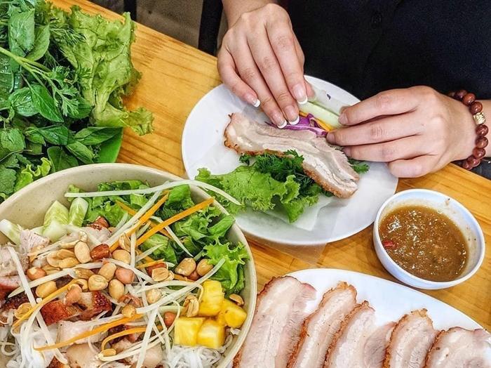 Báng tráng cuốn thịt heo Đà Nẵng