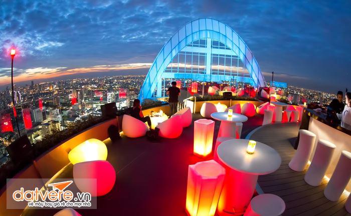 Cảnh đêm lung linh ở Lebua Sky Bar