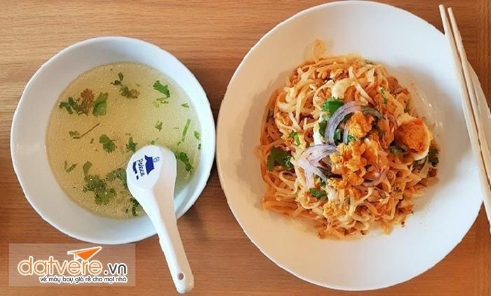 Nhiều món ngon ở Myanmar