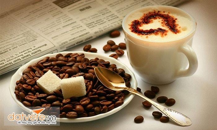 Cà phê và các loại đồ uống có cồn