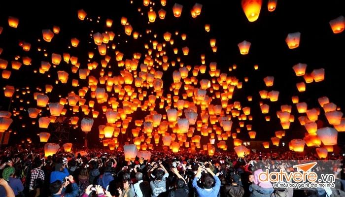 Lễ hội thả đèn lồng đầu năm