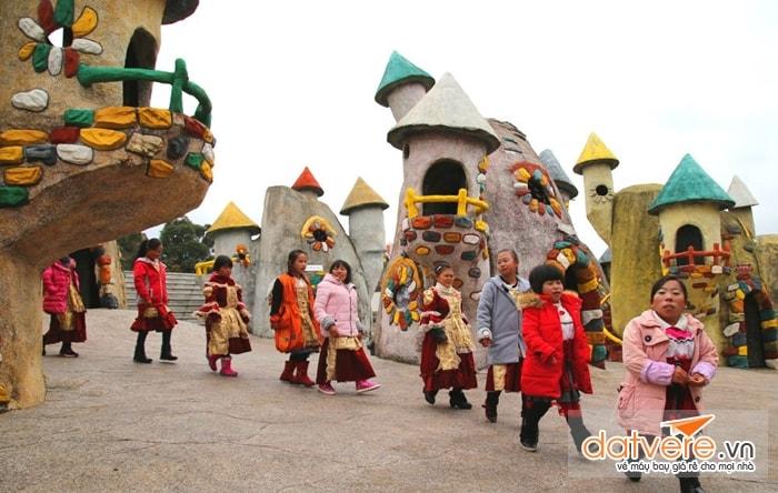 Vương quốc của những người tí hon, Trung Quốc