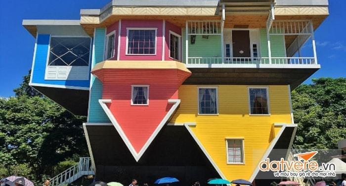 Cấu trúc ngôi nhà úp ngược