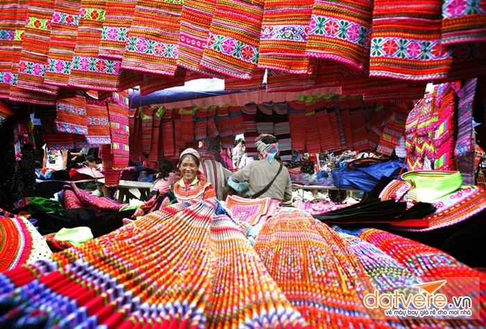 Chợ phiên Tả Sìn Phàng