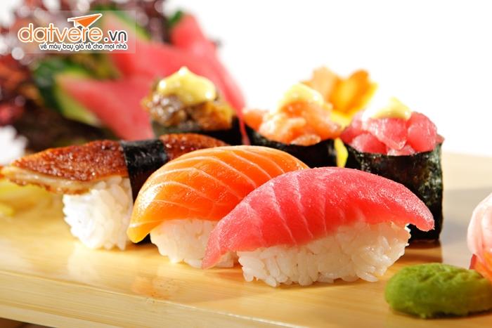Sushi món ăn nổi tiếng của Nhật Bản