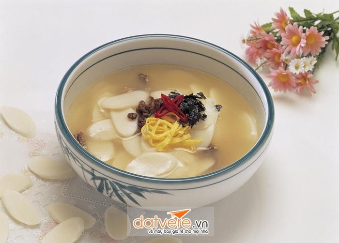Canh bánh gạo của người Hàn Quốc
