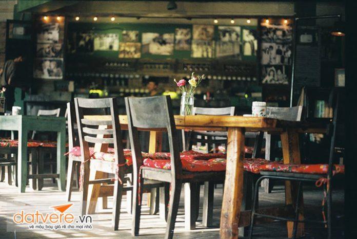 Không gian trong quán của Cộng cafe