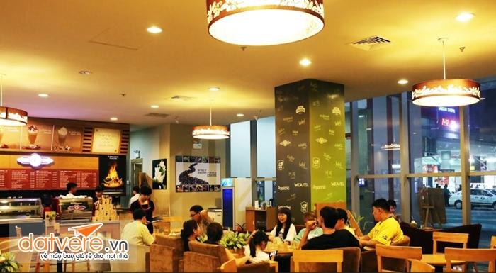 Không gian ở quán cà phê Trung Nguyên