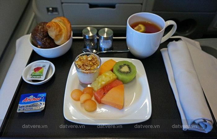 Ăn uống thông minh trong chuyến bay