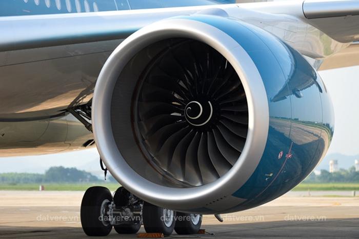 Giảm trọng lượng giúp cho máy bay tiết kiệm nhiên liệu