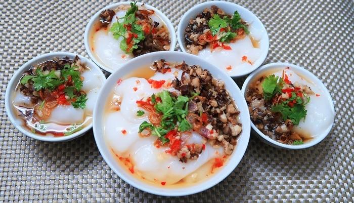 Bánh Đúc nóng đông Hà Nội