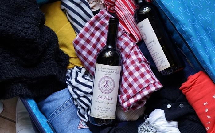 Mang rượu trong hành lý Vietnam Airlines cần tuân thủ quy định gì?