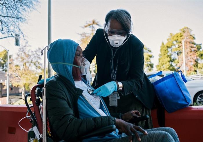 Tránh xa người có nguy cơ bị nhiễm virus Covid-19