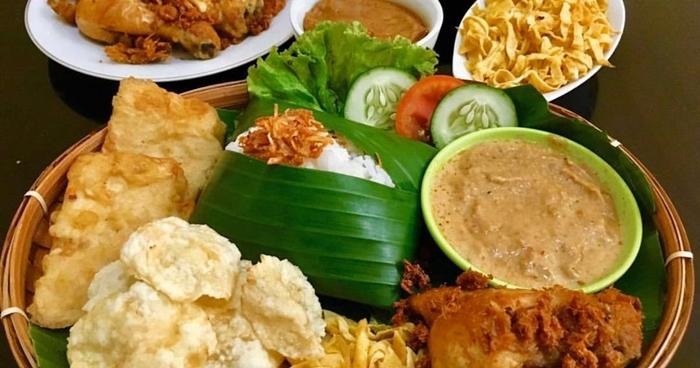 Nasi Uduk là món ăn truyền thống ở Jakarta